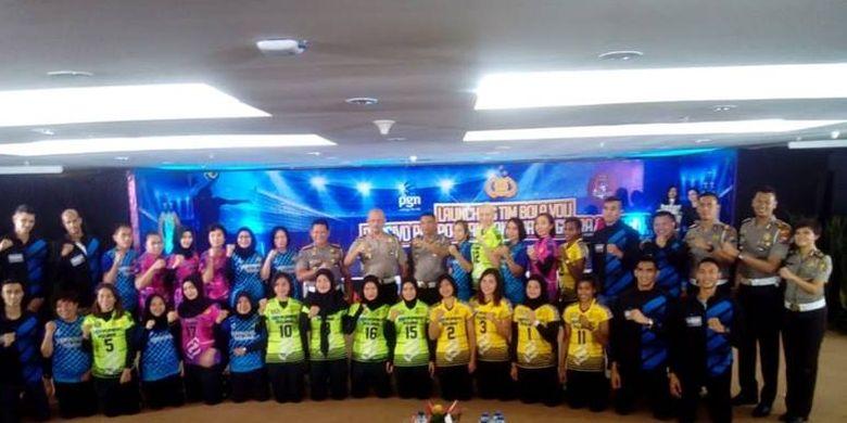 Tim voli putri Popsivo Polwan dan tim putra Bhayangkara Samator bertekad untuk mengawinkan gelar.