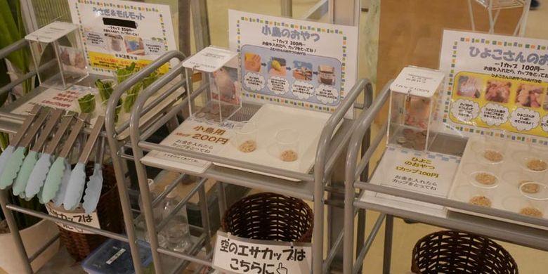 Moff animal cafe cabang Aeon Mall Makuhari Shintoshin di Prefektur Chiba, Jepang.