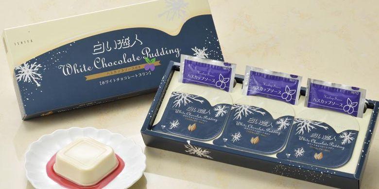 Kue Shiroi Koibito versi pudding sering dijadikan oleh-oleh wisatawan saat berkunjung ke Hokkaido, Jepang. Kue ini bisa diperoleh di toko-toko di bandara, seperti di Bandar Udara Chitose Baru (New Chitose Airport Terminal).