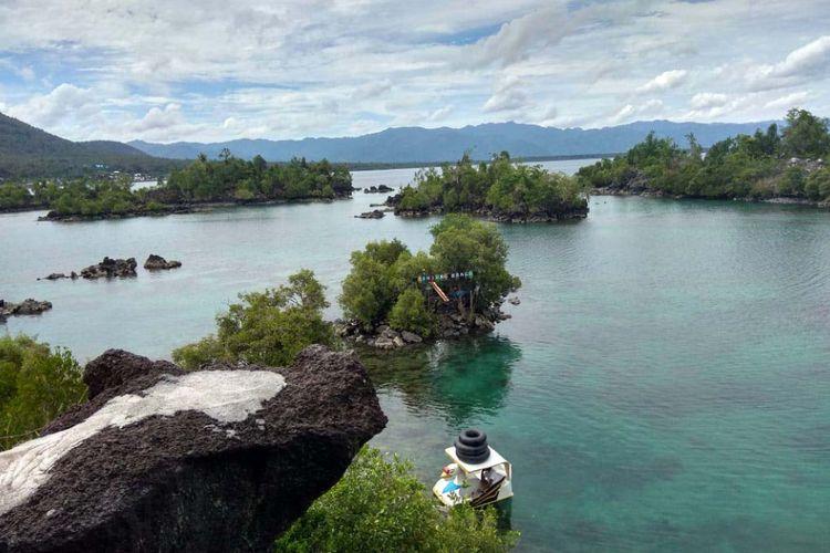 Wisata Tanjung Bongo di Kecamatan Galela, Kabupaten Halmahera Utara, Provinsi Maluku Utara, Senin (16/4/2018).