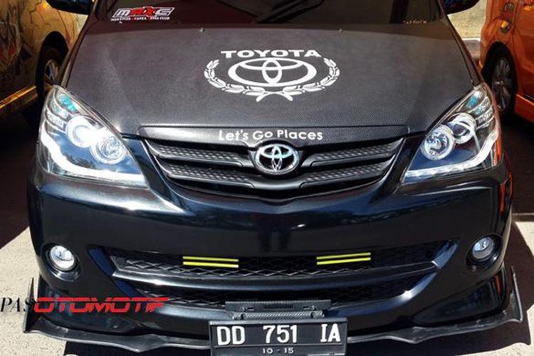 Toyota Avanza modifikasi di Makassar dalam Avanza Pop You Up 2015.