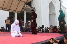 10 Pelanggar Qanun Syariat Islam di Banda Aceh Dihukum Cambuk