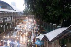 Mencari Tahu Penyebab Kemacetan di Sekitar Stasiun Palmerah
