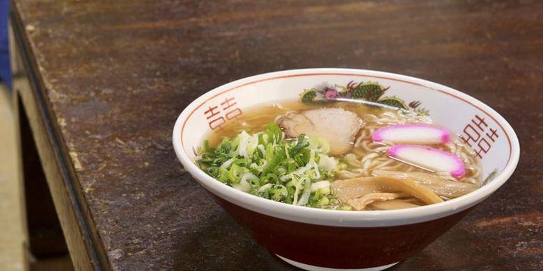 Menu rekomendasi dari Restoran Tokyo-an ini adalah Chuka Soba seharga 550 Yen. Sup rasa shoyu (kecap asin Jepang) ini dibuat dari gabungan kaldu katsuo-boshi (serutan ikan cakalang kering) dan kaldu ayam.
