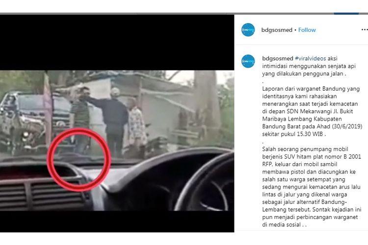 Viral aksi seorang pria keluarkan pistol di jalan alternatif Bandung-Lembang, Minggu (30/6/2019).