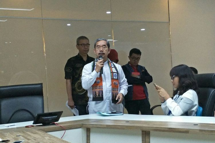 Wali Kota Jakarta Pusat Mangara Pardede saat konferensi pers evaluasi penataan Tanah Abang, Jakarta Pusat, di Balai Kota DKI Jakarta, Jumat (5/1/2018).