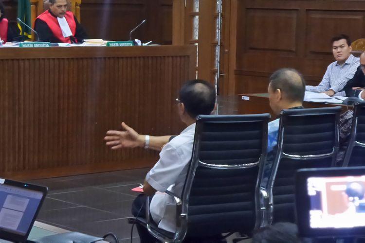 Mantan Menteri Dalam Negeri, Gamawan Fauzi, saat bersaksi di Pengadilan Tipikor Jakarta, Senin (9/10/2017).