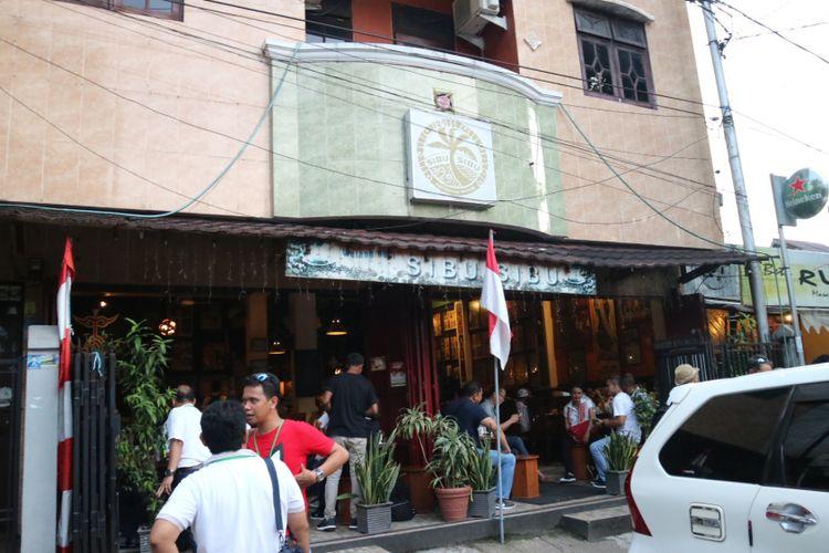 Kalah satu kedai di kawasan Jalan Said Perintah, Kota Ambon yang jadi tempat kumpulan kedai kopi di Ambon.