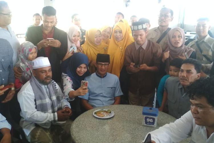 Prabowo dan Sandi tiba i Aceh