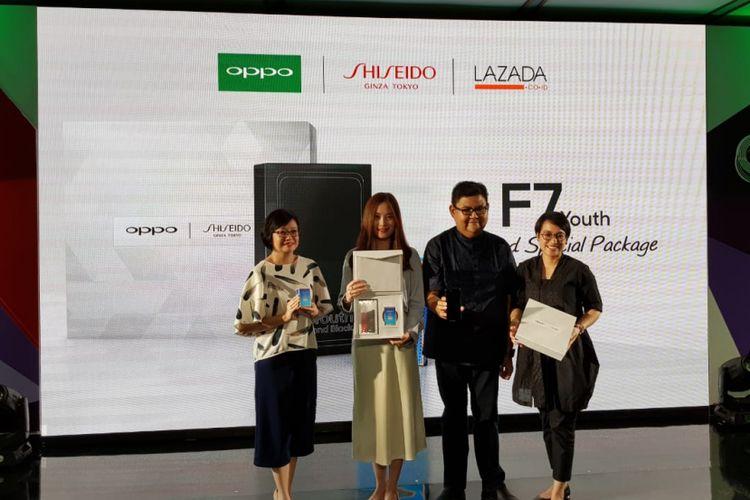 Tengah: Brand Manager Oppo Indonesia, Alinna Wenxin dan PR Manager Oppo Indonesia, Aryo Medianto di peluncuran Oppo F7 Youth di Jakarta, Rabu (23/5/2018)