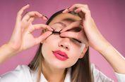 3 Cara Aman Melepas Bulu Mata Palsu Sendiri