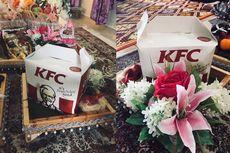 Viral, Pasangan Ini Gunakan Ayam KFC untuk Hantaran Tunangan