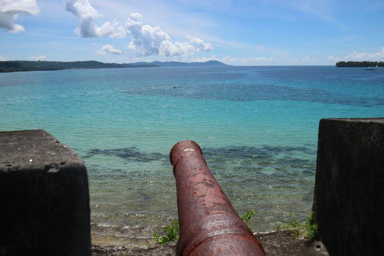 Pesona Pulau Saparua di Maluku Utara, dilihatr dari atas Benteng Duurstede, Minggu (12/11/2017).