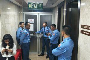 Dua Ruangan Anggota DPR Terkena Peluru Nyasar
