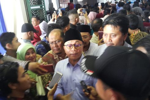 Zulkifli: Jokowi dan Prabowo Teman Dekat, Pendukung Jangan Berantem