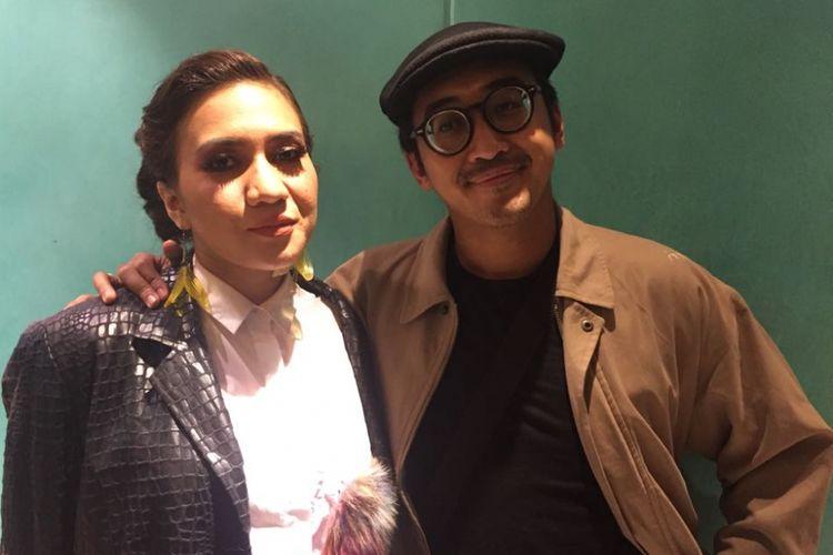 Dimas Danang dan istrinya, Abby Galabby, menjadi pelakon dalam pertunjukan drama musikal Petualangan Sherina, yang digelar di Teater Jakarta, Taman Ismail Marzuki, Jakarta Pusat, pada Minggu (17/9/2017) sore.