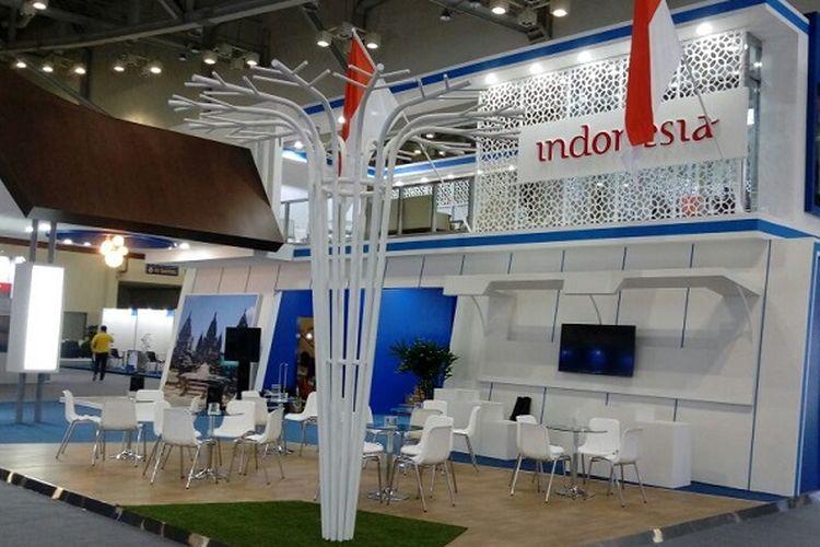 Suasana pavilun Indonesia di acara ITU World Telecom 2017 di Busan, Korea Selatan, sebelum resmi dibuka pada Senin (25/9/2017).