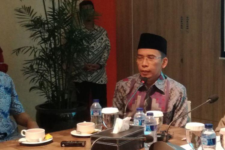 Gubernur NTB Zainul Majdi atau Tuan Guru Bajang saat mengikuti diskusi di kantor Ikatan Cendekiawan Muslim Indonesia (ICMI), Jakarta, Rabu (11/7/2018)