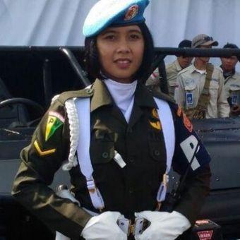 Sersan Dua Kowad Bella Paramitha terpilih sebagai pengemudi kendaraan yang akan digunakan untuk inspeksi pasukan pada upacara sebesar HUT TNI.