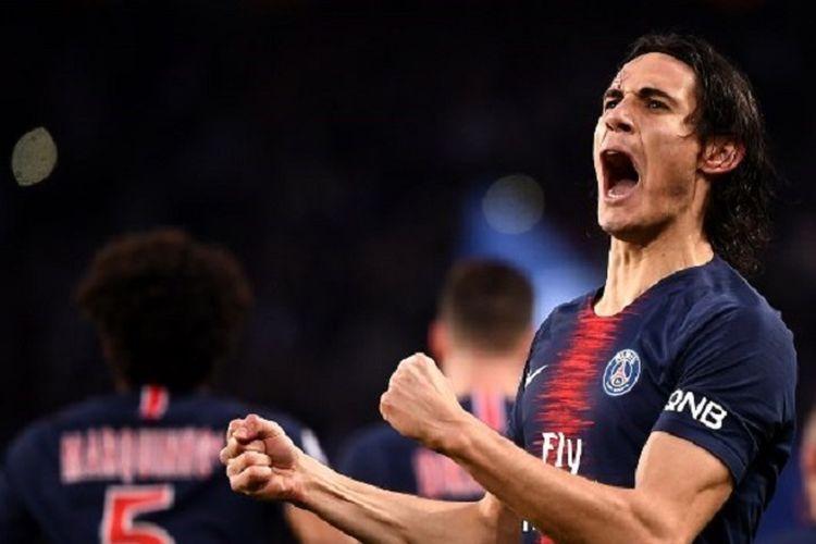Edinson Cavani merayakan golnya pada laga PSG vs Toulouse di Stadion Parc des Princes dalam lanjutan Liga Perancis, 24 November 2018.