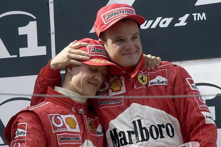 Rubens Barrichello (kanan) dan Michael Schumacher (kiri)