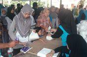 Seperti Pemilu, Belanja di Pasar Murah Ini Harus Celupkan Jari ke Tinta