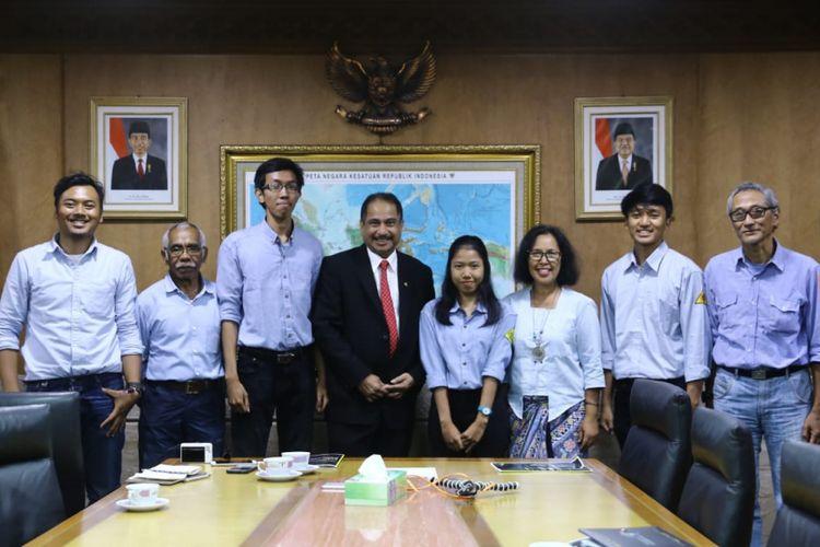 Menteri Pariwisata Arief Yahya menerima kunjungan audiensi organisasi Mahasiswa Pencinta Alam Universitas Indonesia di Kantor Kementerian Pariwisata, Jakarta, Rabu (15/8).