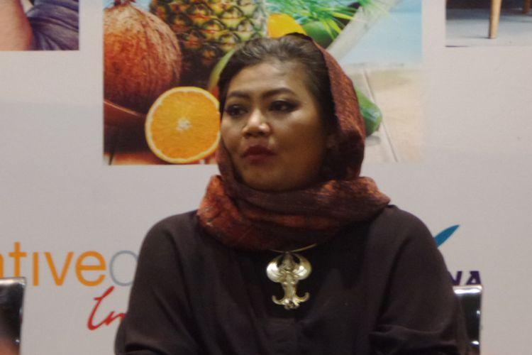 Desainer dan Founder Batik Chic, Novita Yunus