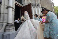 Video: Anggun Bergaun Pengantin, Olga Lydia Tiba di Gereja Katedral
