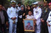 Anggota TNI yang Gugur dalam Latihan Dimakamkan di Kampung Halaman