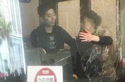 Mengamuk, Seorang Penumpang Pecahkan Kaca Depan Bus Menggunakan Kepala