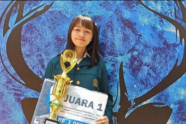 Konsep Bimbel Online Antar Mahasiswi Itb Raih Juara Esai Nasional