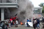 Unjuk Rasa Korban Gusuran Berujung Ricuh di Gedung DPRD Bekasi