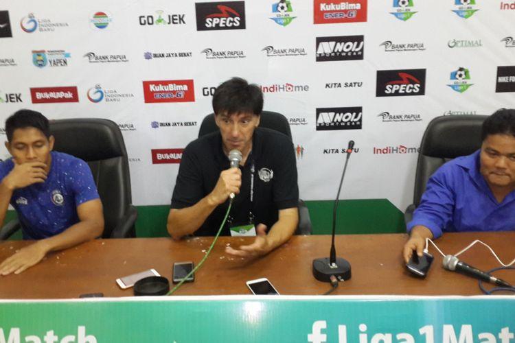 Striker Asal Korsel Jalani Latihan bersama Arema FC