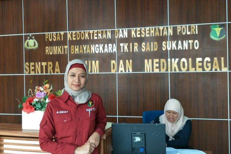Asri Megaratri Pralebda, dokter forensik Rumah Sakit Polri Kramat Jati, Jakarta Timur, Selasa (16/7/2019).