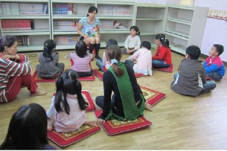 Untuk mengajarkan bahasa-bahasa Asia Tenggara, termasuk bahasa Indonesia, pemerintah Taiwan sudah melatih 2.000-an guru paruh waktu.