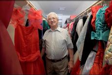Paul Brockman, Pria yang Koleksi 55.000 Gaun