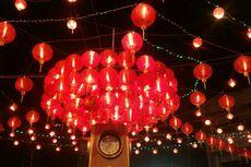 Menikmati Indahnya Malam di Bawah Cahaya Lampion di Pasar Gede Solo
