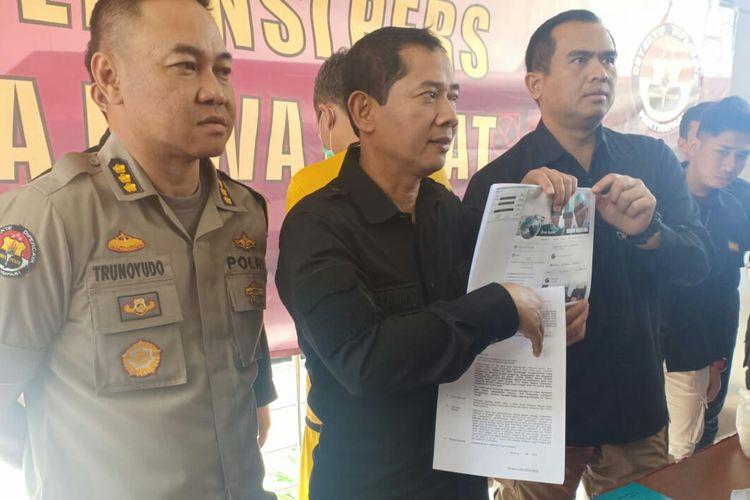 Dirkrimsus Polda Jawa Barat, Kombes Pol Samudi, telah melakukan ekspose penangkapan seorang dokter yang sebar berita hoax
