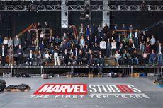 Para Superhero Rayakan 10 Tahun Marvel Cinematic Universe
