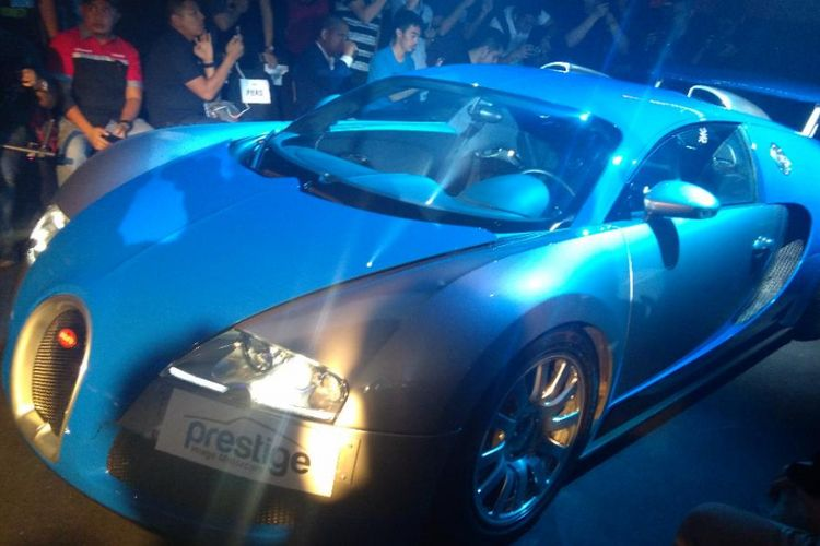 Bugatti Veyron dipajang di showroom Prestige Image