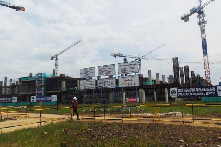 Potret perkembangan pembangunan terminal Bandara Internasional Jawa Barat di Kecamatan Kertajati, Kabupaten Majalengka, Jumat (24/2/2017). Bandara seluas 1.800 hektar itu ditargetkan sepenuhnya beroperasi Juni 2018.