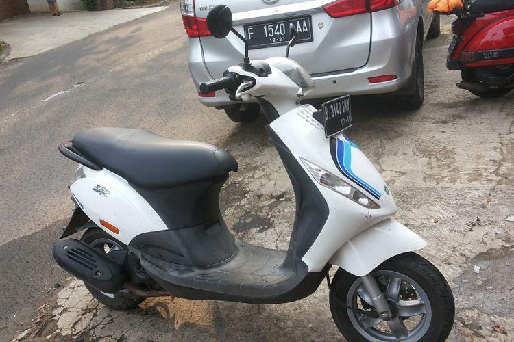 Salah satu Piaggio Zip yang sedang diservis di salah satu bengkel Piaggio di Jakarta.