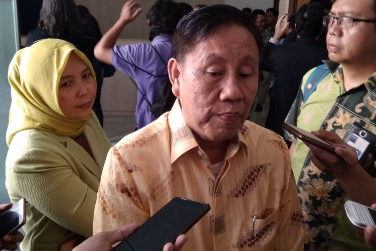 Ketua KPPU KUrnia Toha ketika ditemui awak media di Gedung KPPU, Selasa (10/7/2018).
