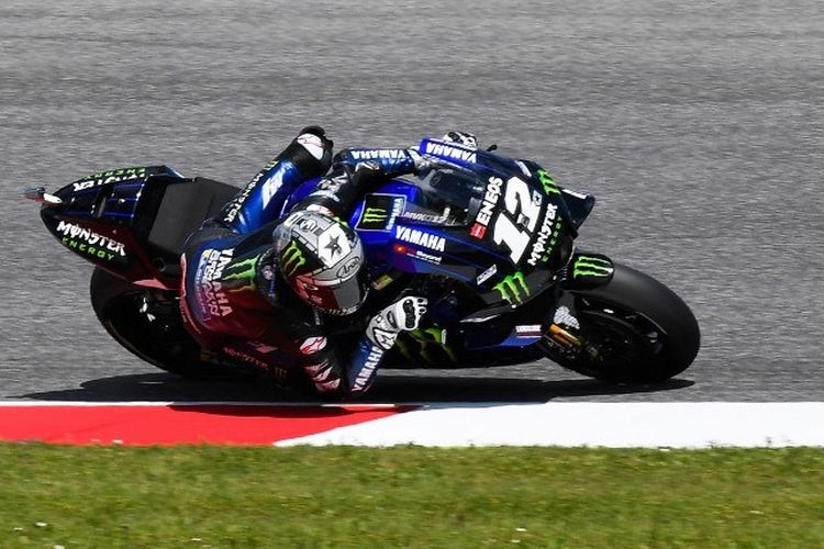 Pebalap Yamaha asal Spanyol, Maverick Vinales, tengah memacu motornya pada sesi latihan bebas MotoGP Italia di Sirkuit Mugello, 31 Mei 2019.