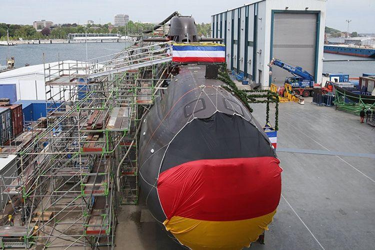 Perakitan kapal selam Jerman.