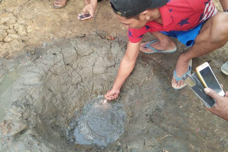 Sumur Mirip Kawah Tiba-tiba Muncul di Cilacap, Keluarkan Gas dan Lumpur
