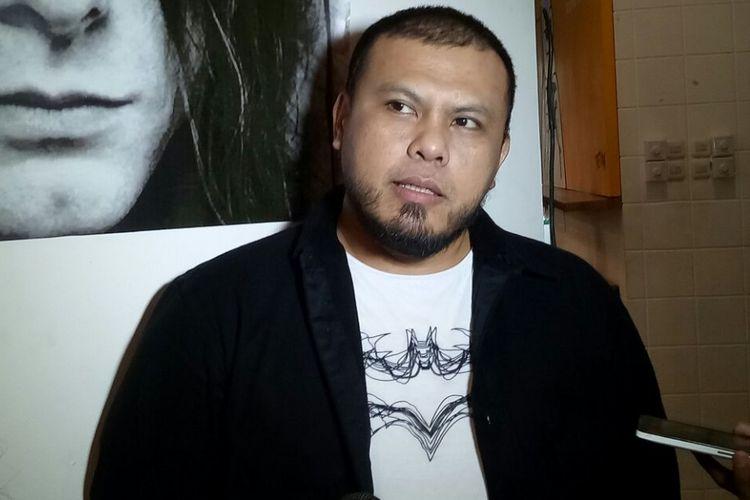 Joko Anwar diwawancara setelah peluncuran poster dan trailer My Generation, di kawasan Senopati, Jakarta Selatan, Selasa (10/10/2017).
