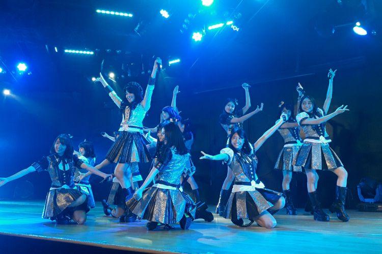 Para member senbatsu terpilih yang menyanyikan singel ke-17 JKT48 ditemui di Teater JKT48, FX Sudirman, Jakarta Pusat, Jumat (11/8/2017).