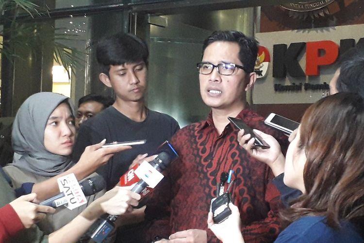 Juru Bicara KPK Febri Diansyah memberi keterangan di Gedung KPK, Kamis (18/7/2019).